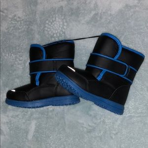 Other - NWOT! Snow Boots